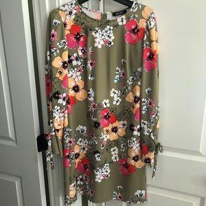Size 8 Nine West dress